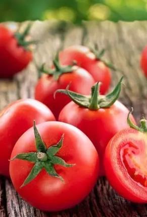 祛痘妙方番茄汁法